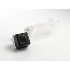 CMOS штатная камера заднего вида AVIS Electronics AVS312CPR (#102) для VOLKSWAGEN GOLF V PLUS / GOLF VI PLUS / JETTA VI / PASSAT B7 / PASSAT B7 VARIANT / POLO V SEDAN / SHARAN II / TOURAN (2011-...) / TOUAREG II